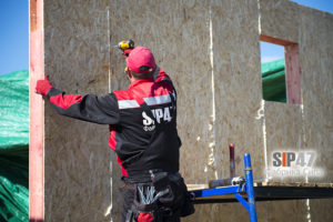 монтаж стен СИП дома