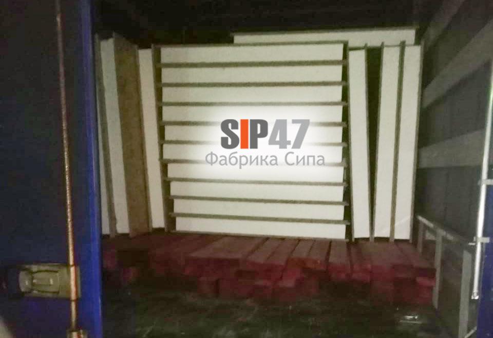 Отгружен комплект СИП- панелей и пиломатериалов
